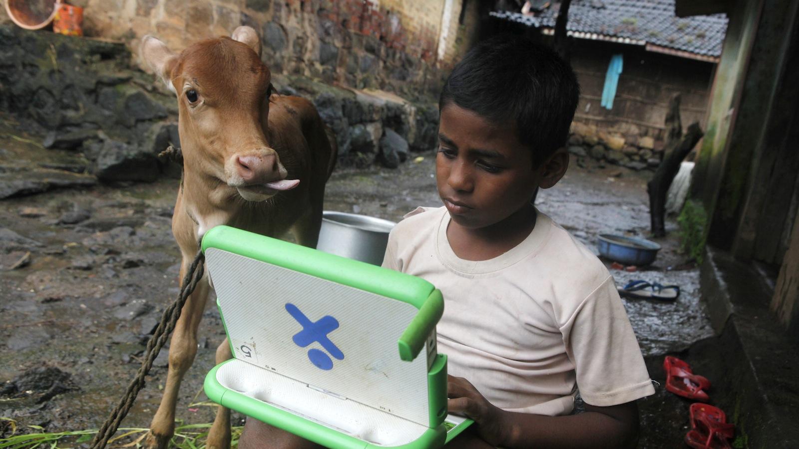 India-internet-WEF-mobile