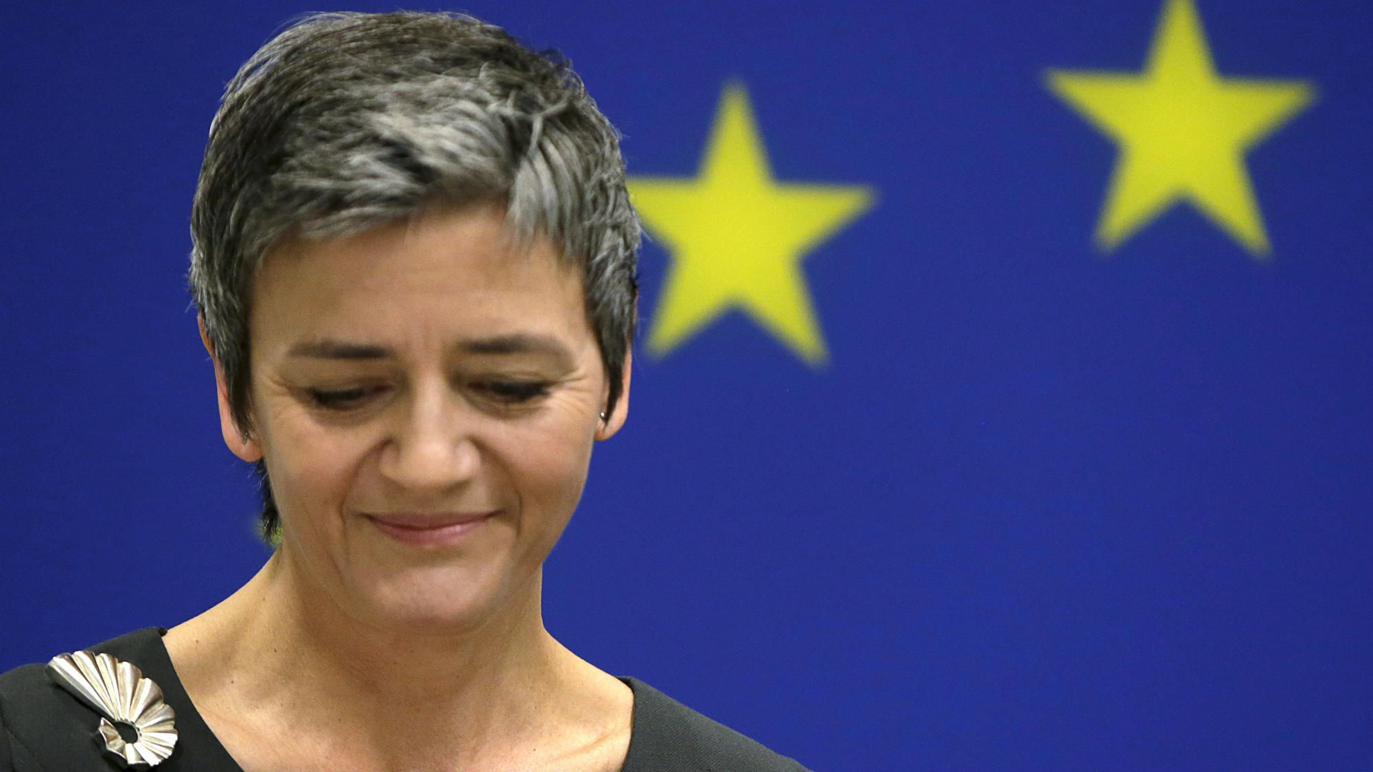 European Union Commissioner for Competition Margrethe Vestager pauses during a news conference at the EU Delegation in Washington April 16, 2015. The EU accused Google Inc. on Wednesday of cheating consumers and competitors by distorting web search results and also launched an antitrust probe into the internet search giant's Android system. REUTERS/Gary Cameron