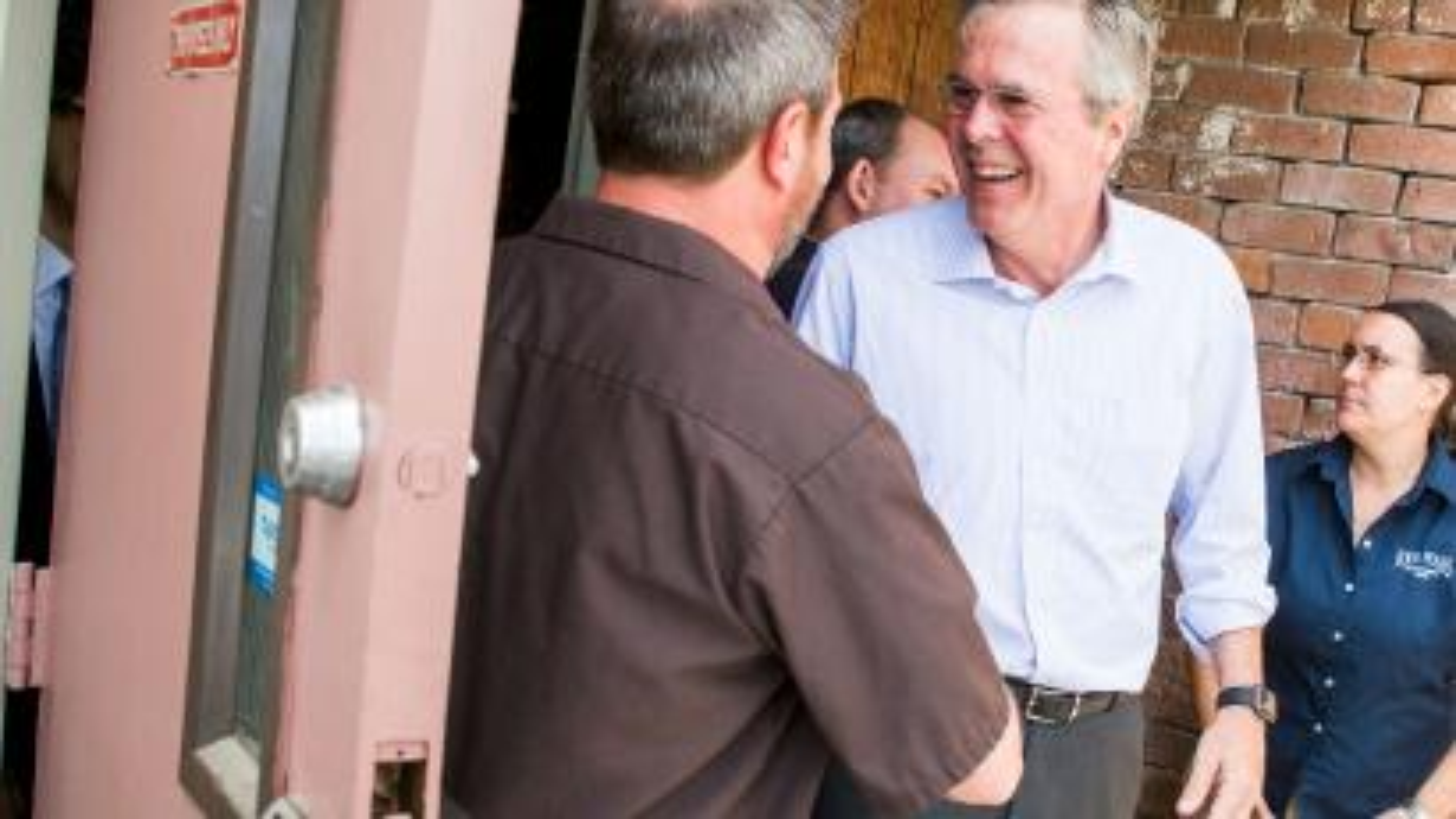 Jeb Bush wearing Apple Watch