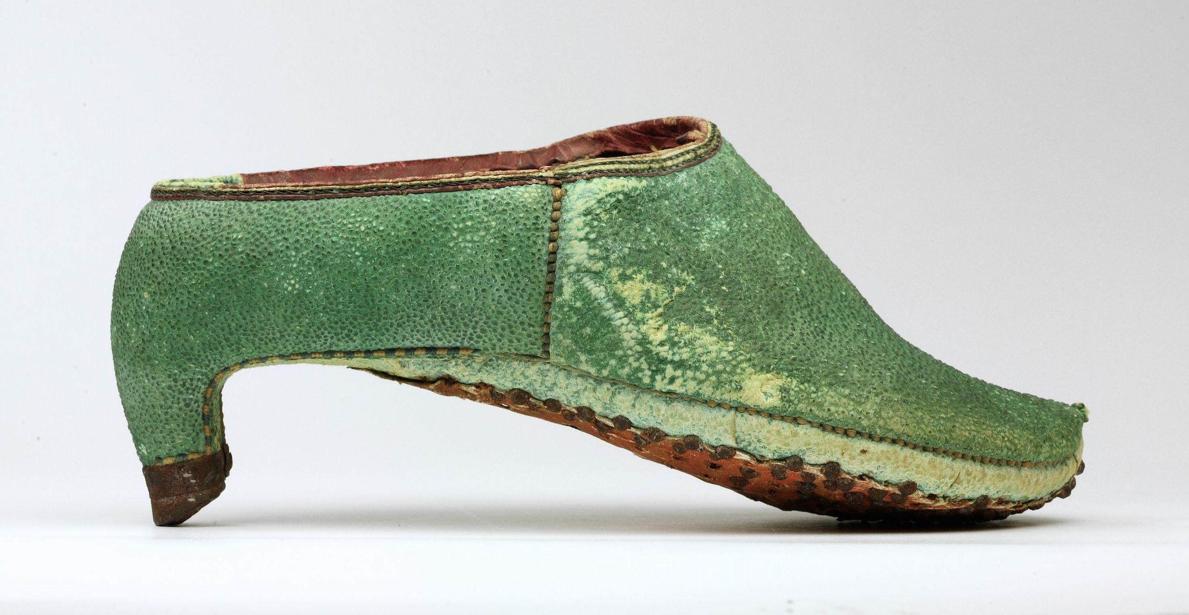 2017 Bata Shoe Museum Toronto Canada Photo Ron Wood