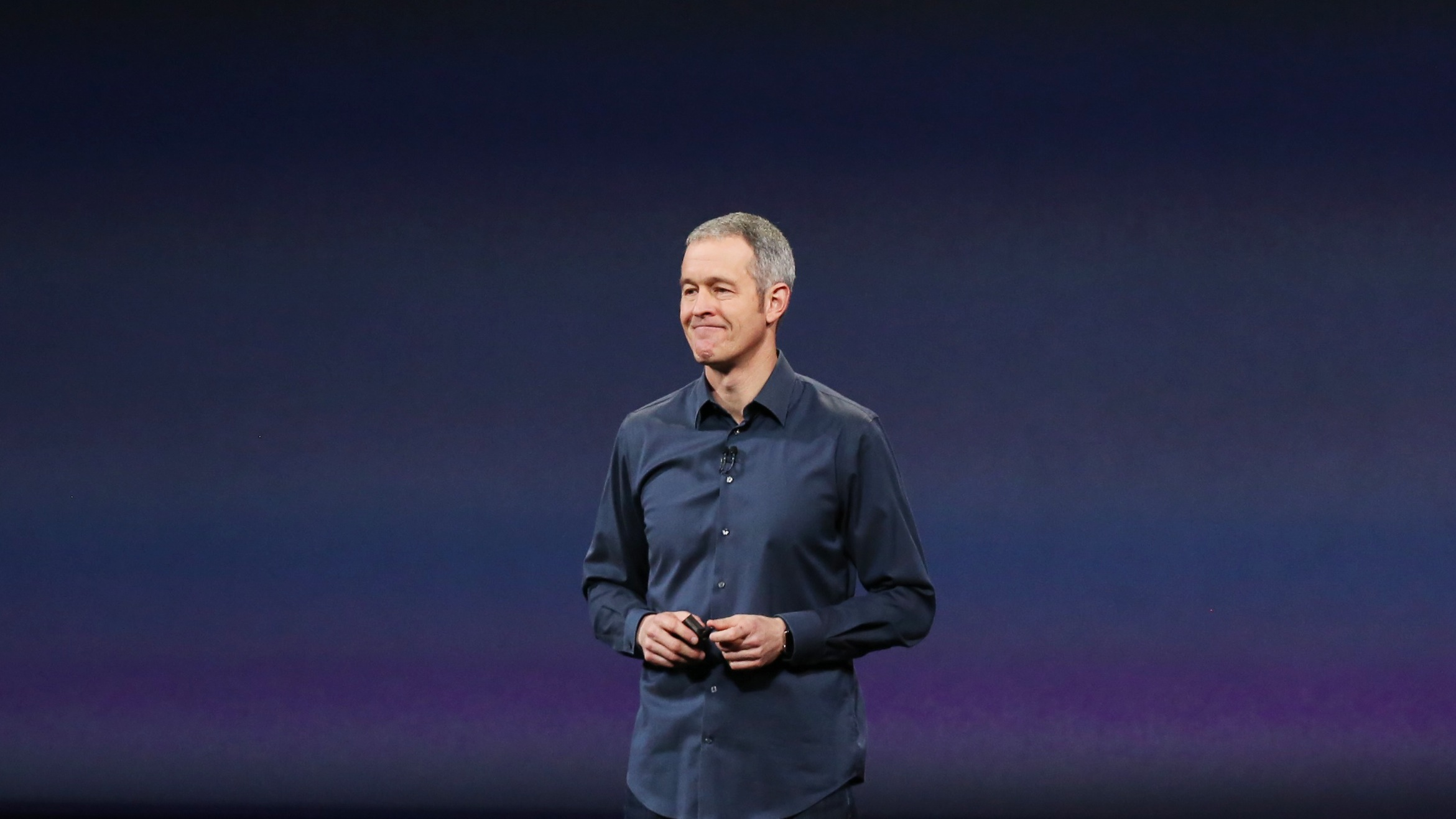 Apple's senior vice president of Operations Jeff Williams speaks about Apple's medical research kit  during an Apple event in San Francisco, California March 9, 2015.  REUTERS/Robert Galbraith (UNITED STATES  - Tags: SCIENCE TECHNOLOGY BUSINESS)   - RTR4SNAP