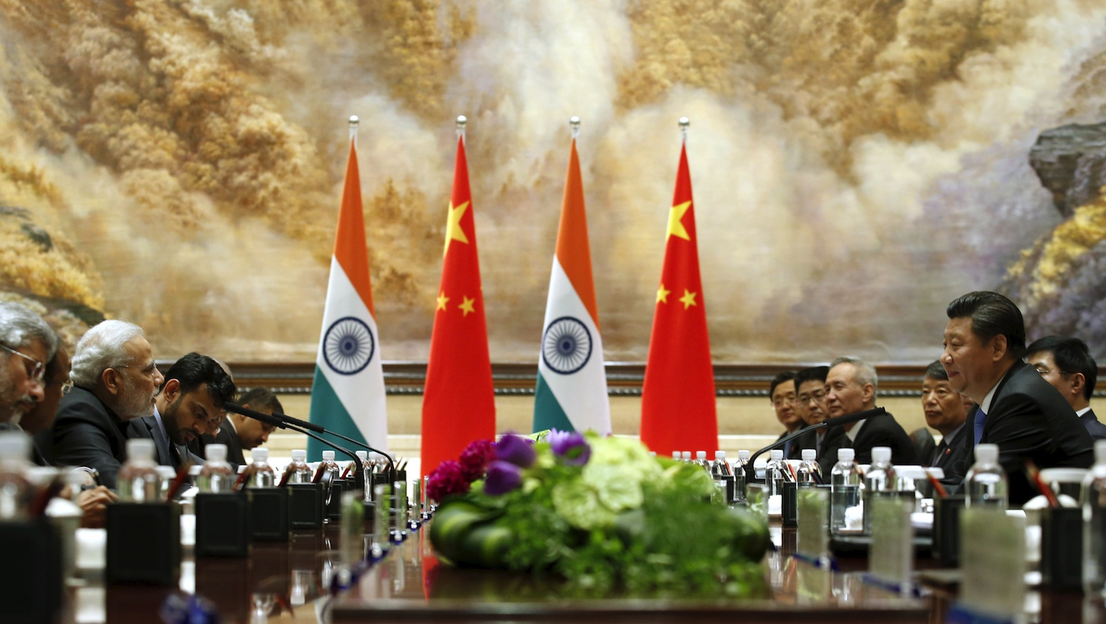 Indian Prime Minister Narendra Modi (2nd from L) and Chinese President Xi Jinping hold a meeting in Xian, Shaanxi province, China, May 14, 2015.