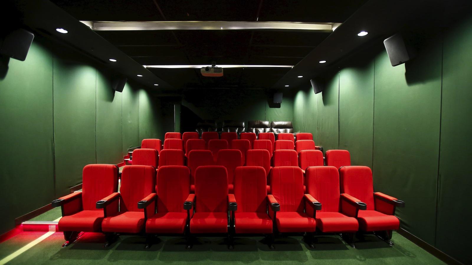 India-hospitals-luxury-cinema