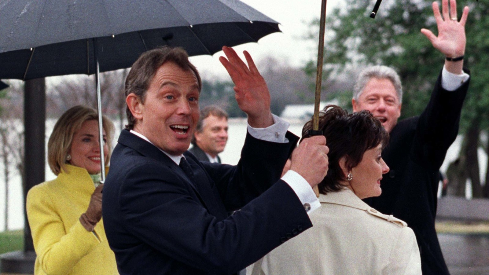 Tony Blair with the Clintons in 1998.