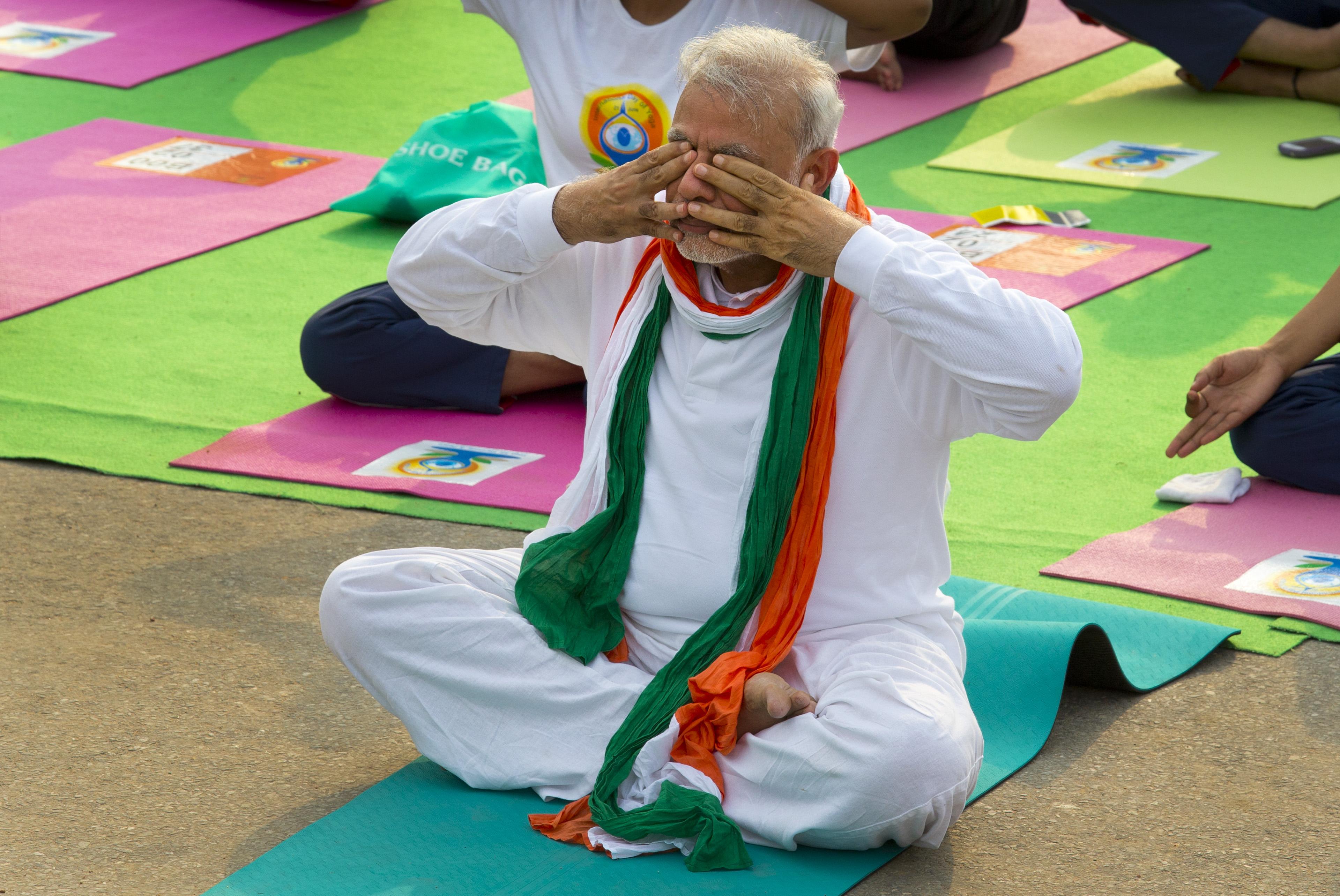 India-yoga-modi