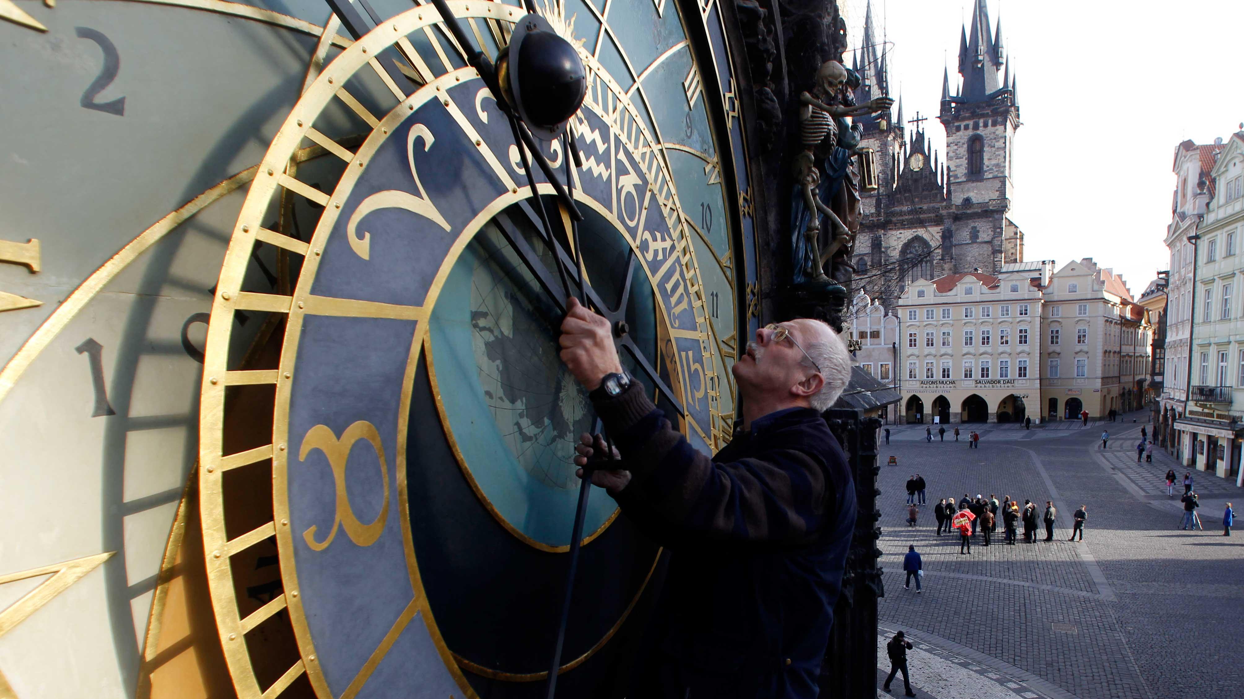 astronomical-clock-leap-second