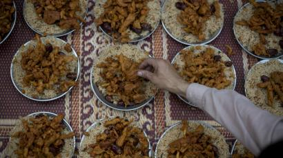 What Muslims around the world eat to break their fast during