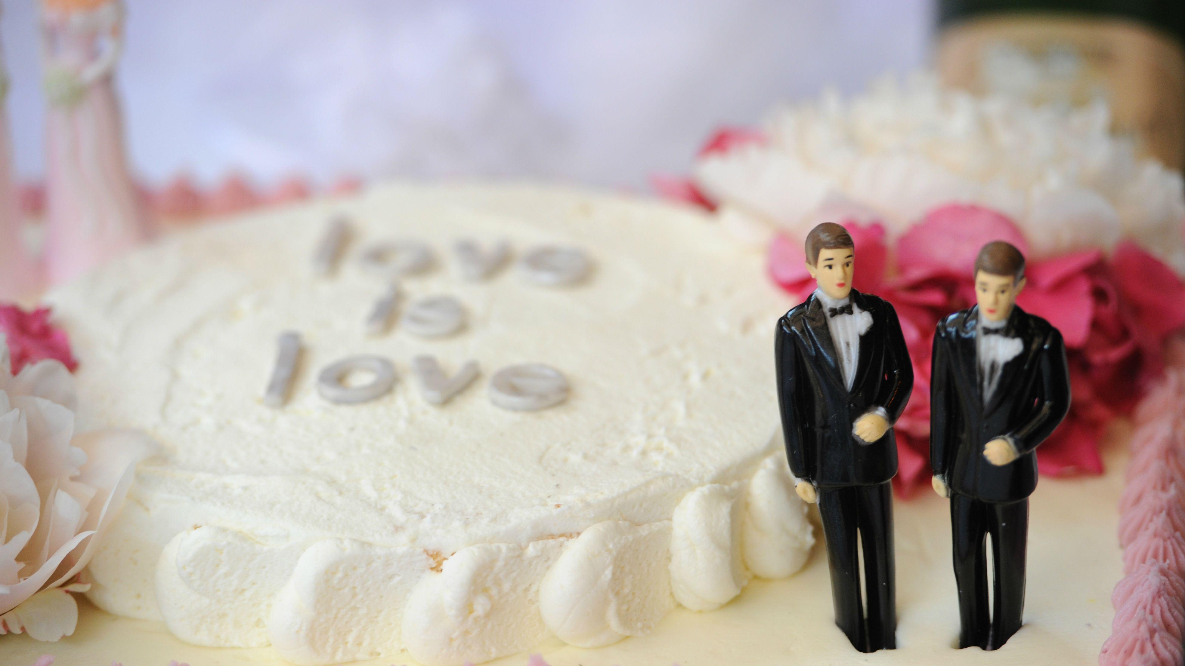 marriage equality, gay wedding, wedding boom, gay wedding boom, same sex weddings, wedding cake