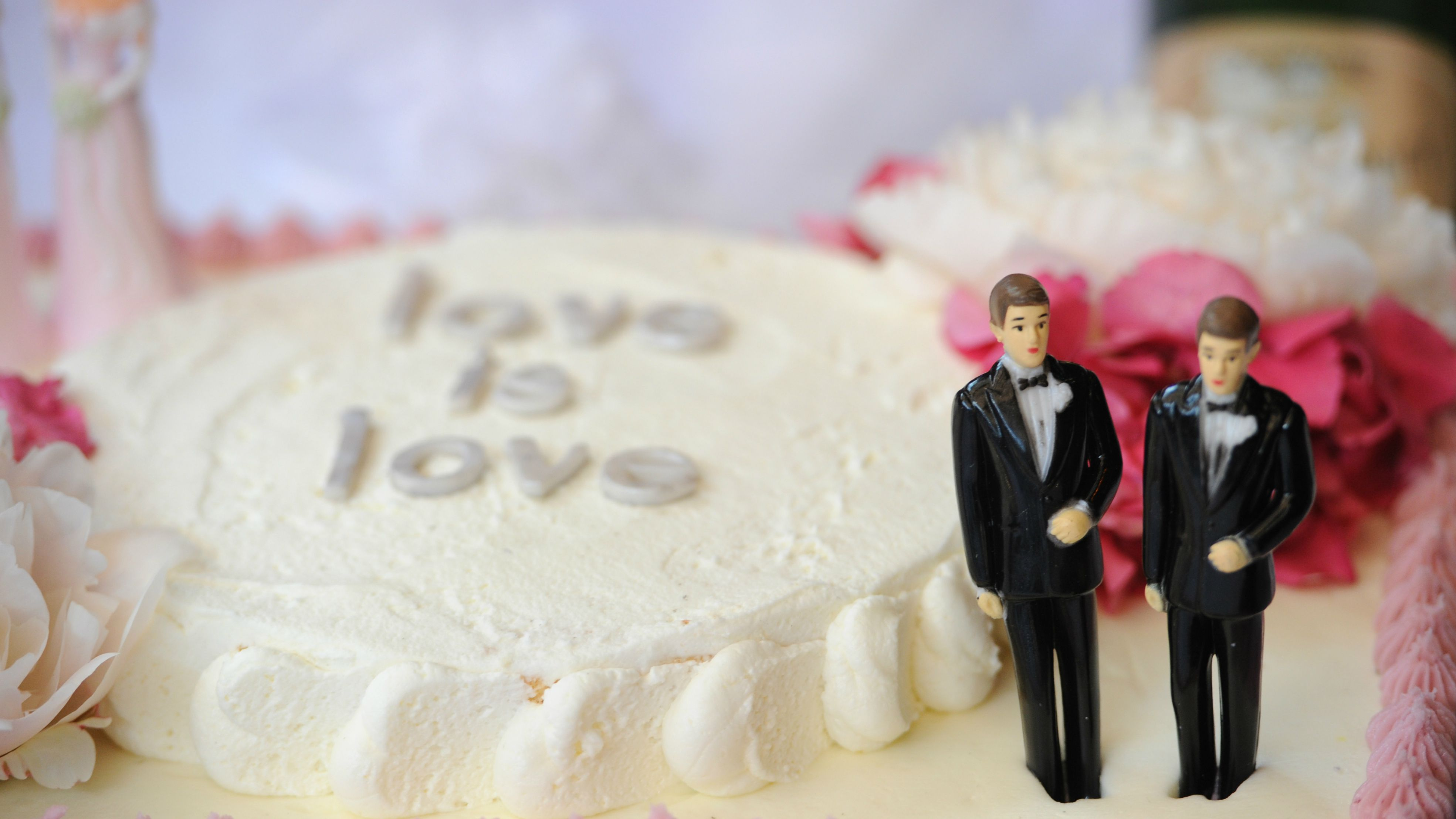 gay wedding cakes marriage equality in the us is about to create a 2 6 4458