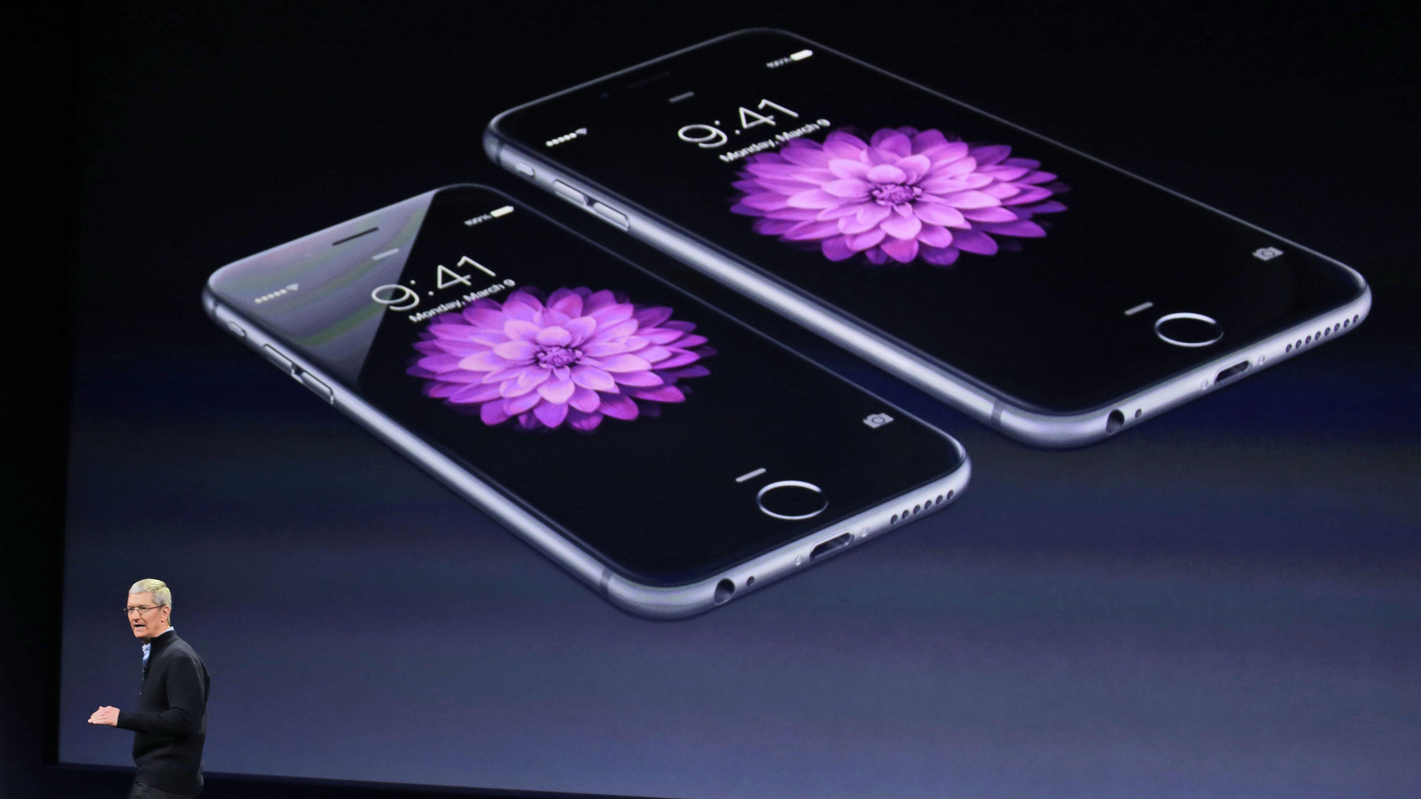 Tim Cook iPhone 6 iPhone 6 Plus