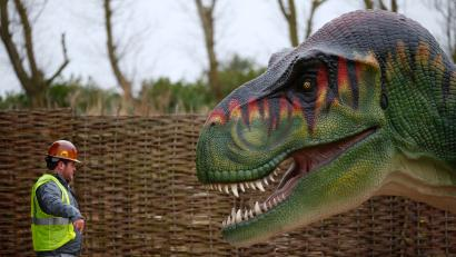 47197001b32 Here s what we ll need to create a real Jurassic world (in addition to  dinosaurs)