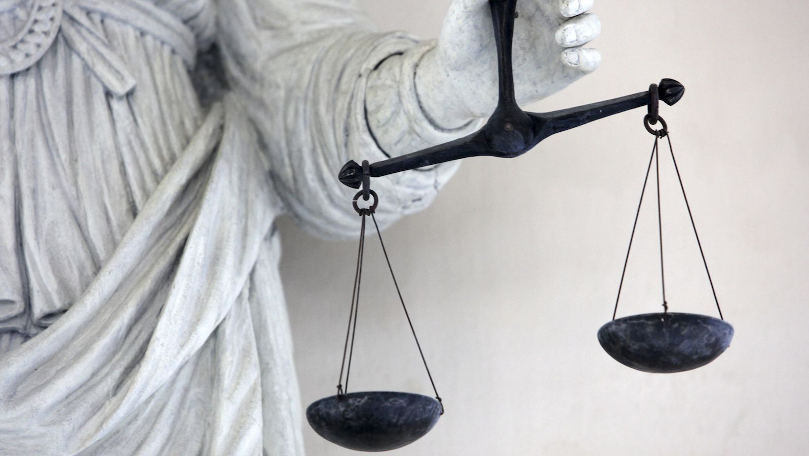 Scales of Justice are seen in Brittany's Parliament, during the trial concerning victims of the Queen Mary 2 accident, in Rennes western France April 2, 2009.