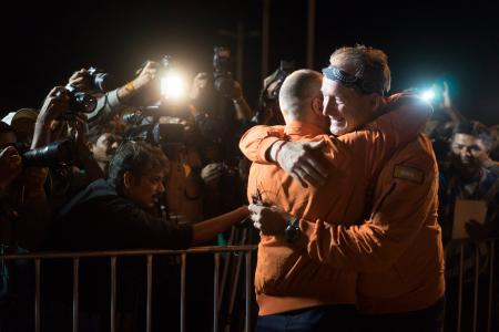 Bertrand Piccard & André Borschberg before take-off from Ahmedabad, India for the leg #3