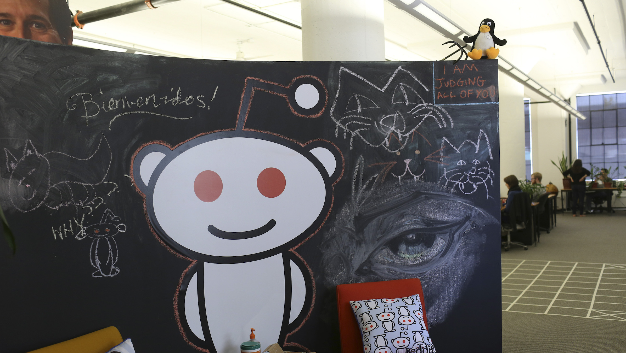 A Reddit mascot is shown at the company's headquarters in San Francisco, California April 15, 2014. Reddit, a website with a retro-'90s look and space-alien mascot that tracks everything from online news to celebrity Q&As, is going after more eyeballs, and advertising, by allowing members of its passionate community to post their own news more quickly and easily. REUTERS/Robert Galbraith  (UNITED STATES - Tags: BUSINESS SCIENCE TECHNOLOGY) - RTR3LFP9