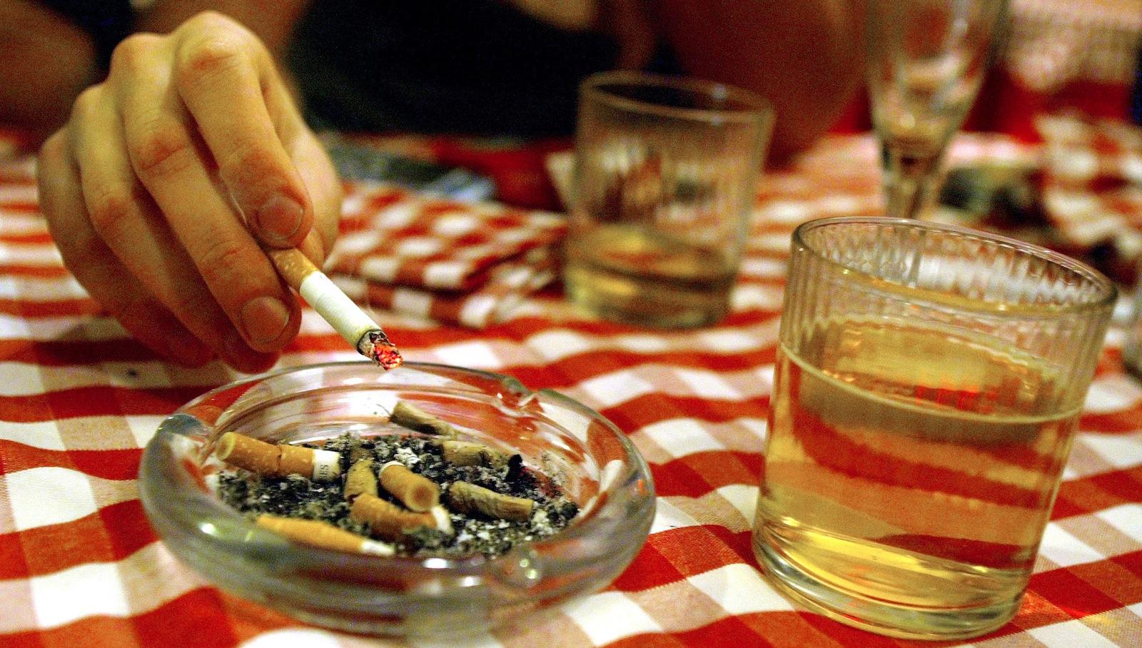 India-alcohol-cigarette-ITC