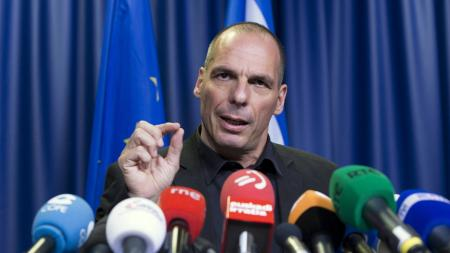 Greek Finance Minister Yanis Varoufakis holds a news conference during a Euro zone finance ministers emergency meeting on the situation in Greece in Brussels, Belgium June 27, 2015.