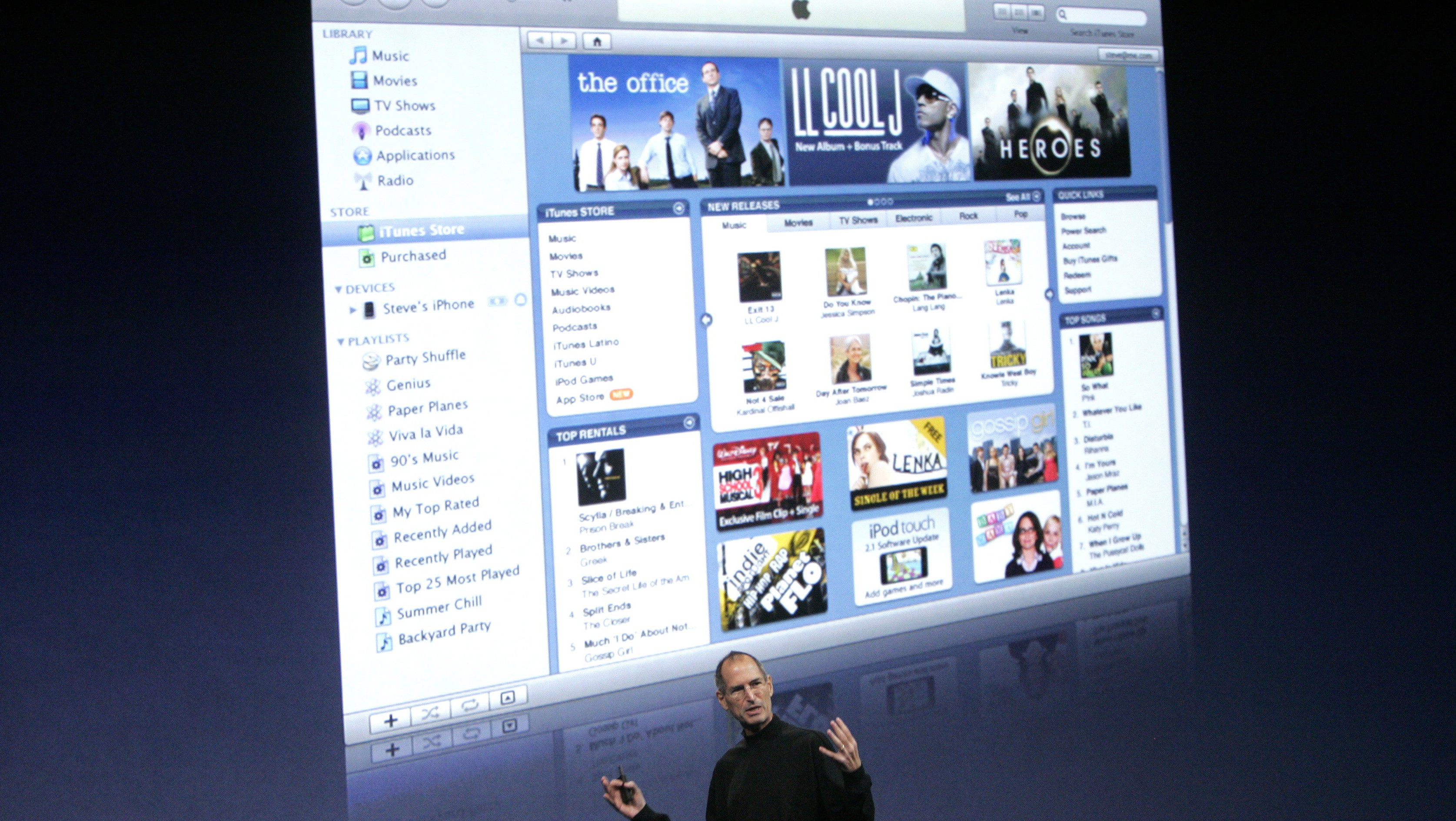 "Apple Inc CEO Steve Jobs discusses his company's ""iTunes"" product at Apple's ""Let's Rock"" media event in San Francisco, California September 9, 2008."