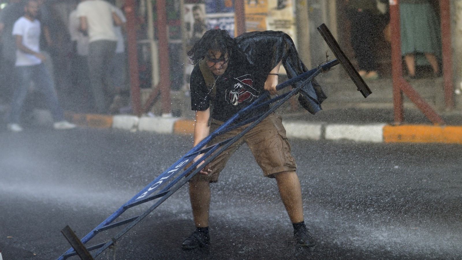 Clashes during Gay Pride parade in Istanbul