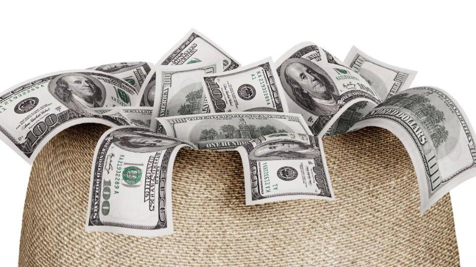 India-Cash-VC-Startups