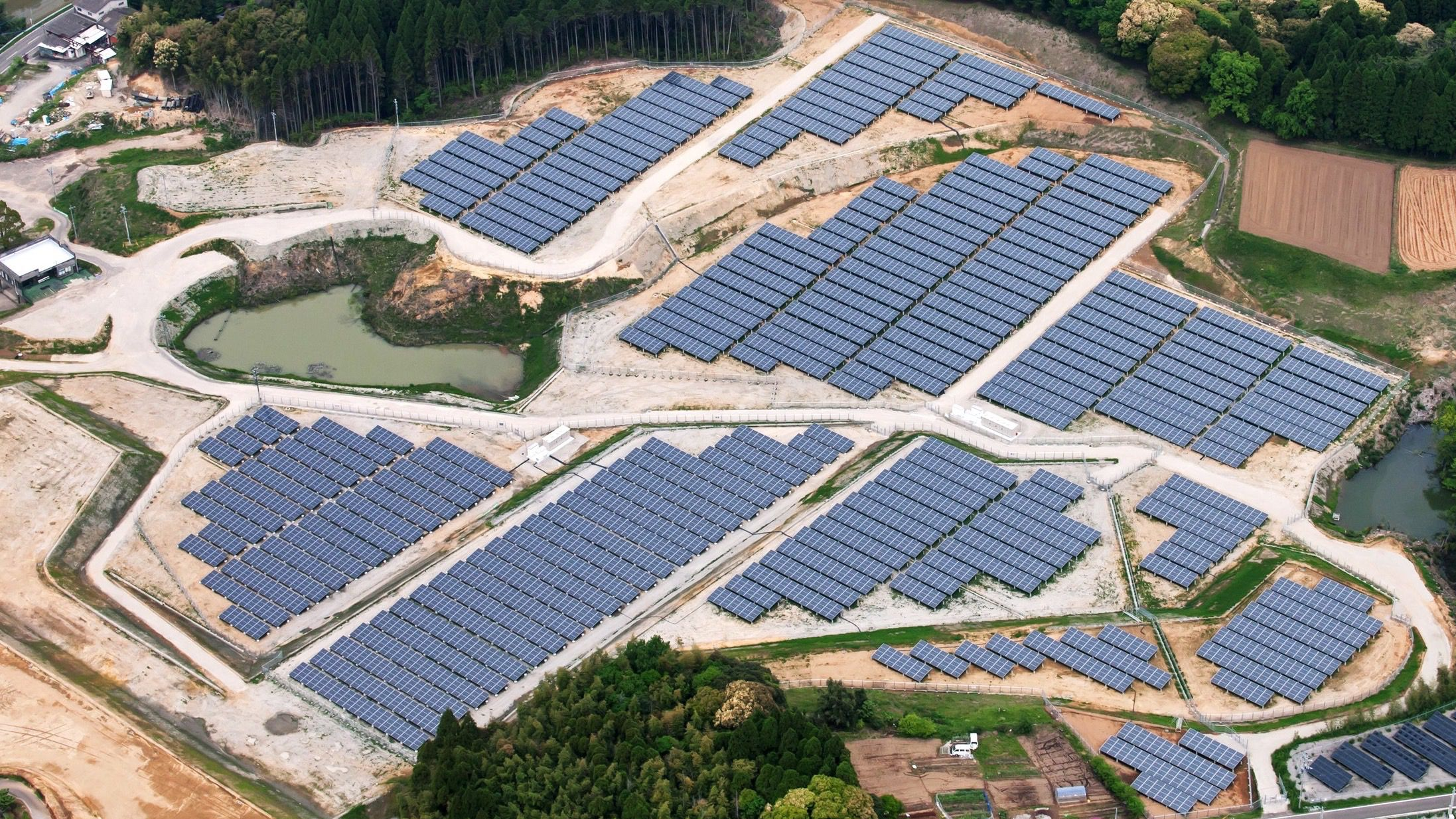 Japan Is Building Solar Energy Plants On Abandoned Golf Courses And The Idea Is Spreading Quartz