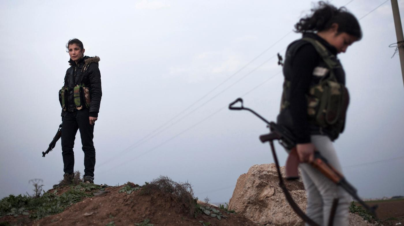 These Female Kurdish Soldiers Wear Their Femininity With Pride