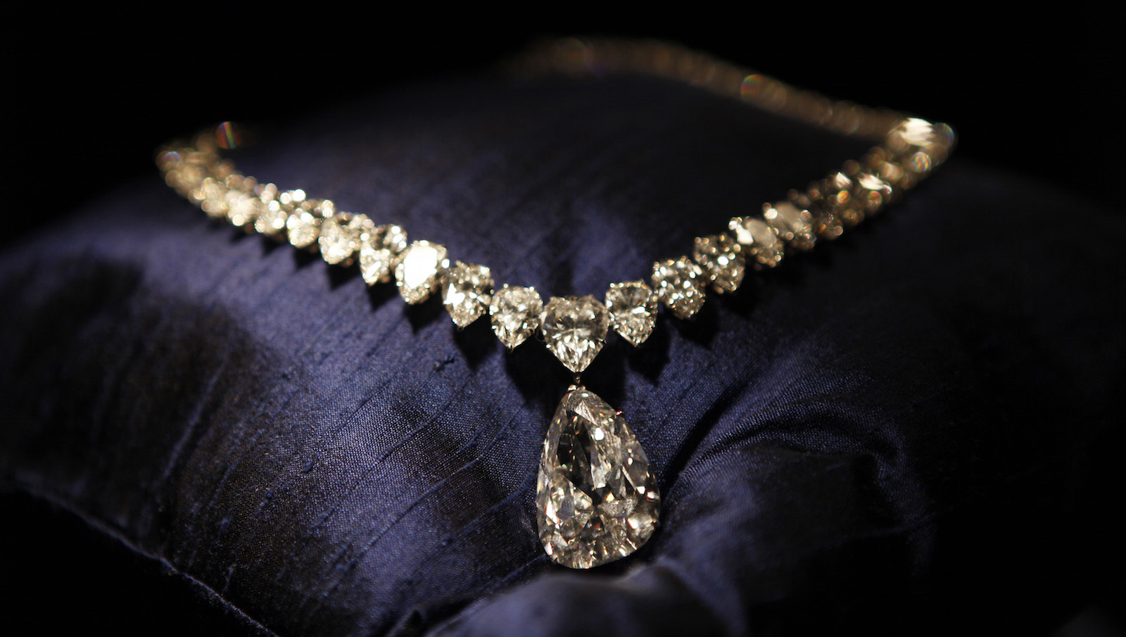 model designs new indian pin necklace diamond choker gold models