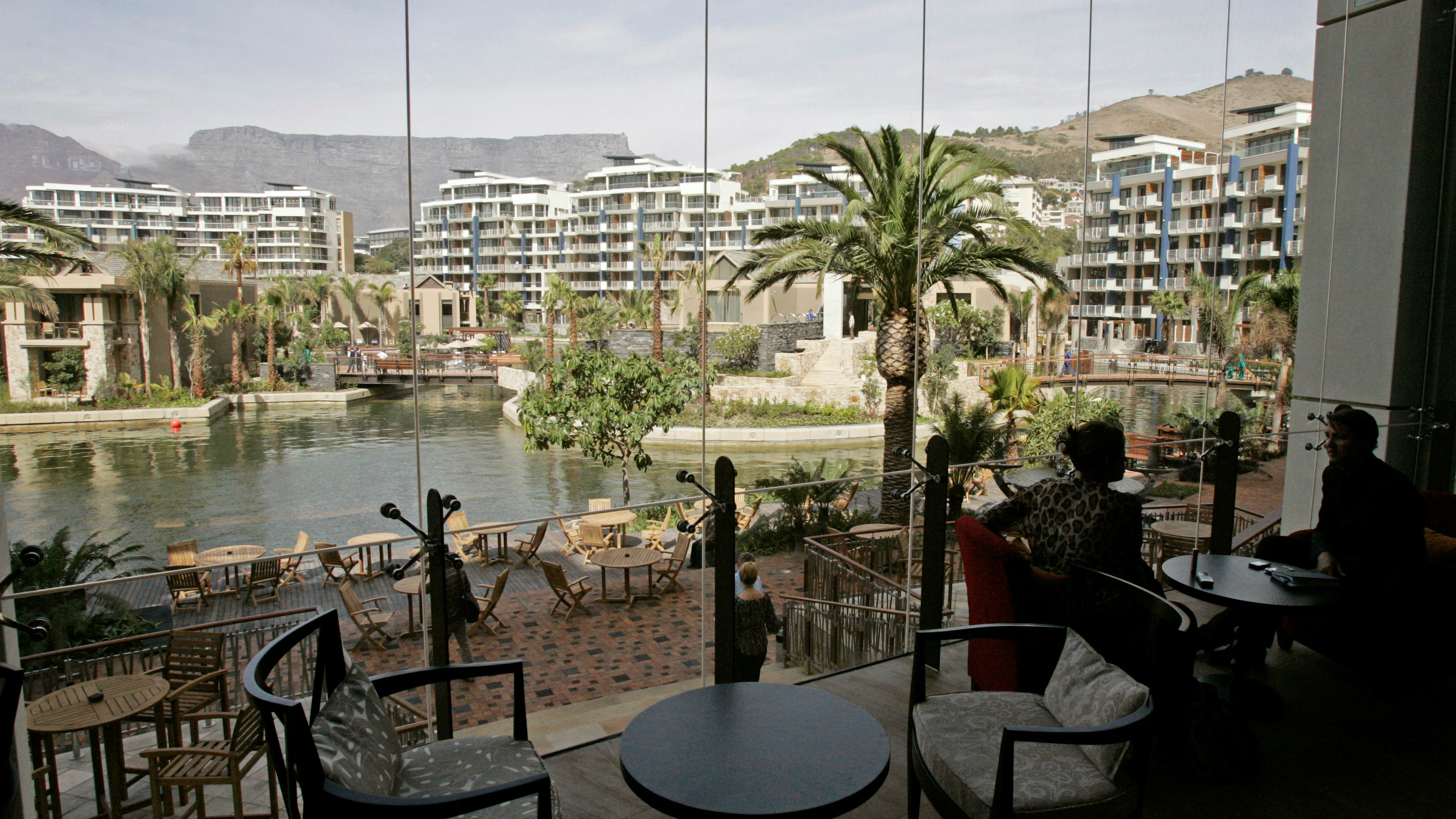 A view of the recently opened One&Only Hotel in Cape Town, South Africa, Monday, March 30, 2009. South African gambling and hotel magnate Sol Kerzner has returned home in style after 15 years, with a luxury resort that he hopes will buck the economic gloom. (AP Photo/Schalk van Zuydam)