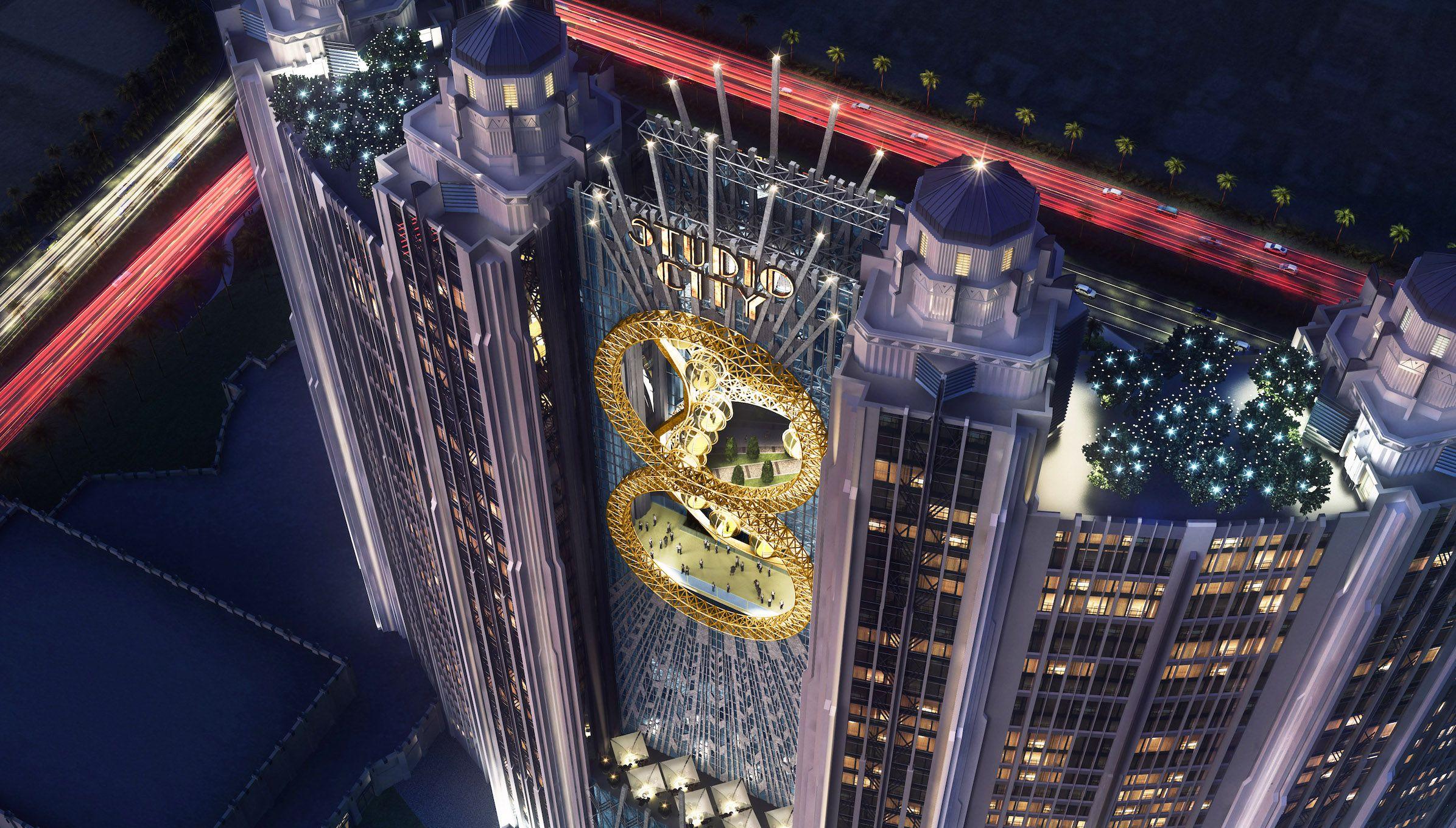 Figure-8 Ferris Wheel in Macau China