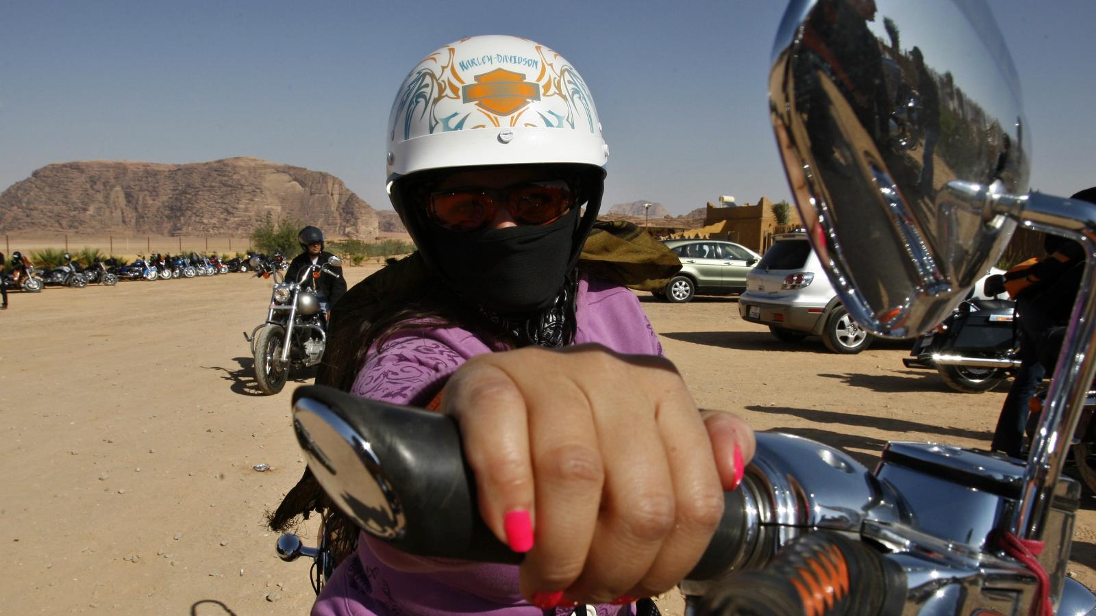 India-women-riders