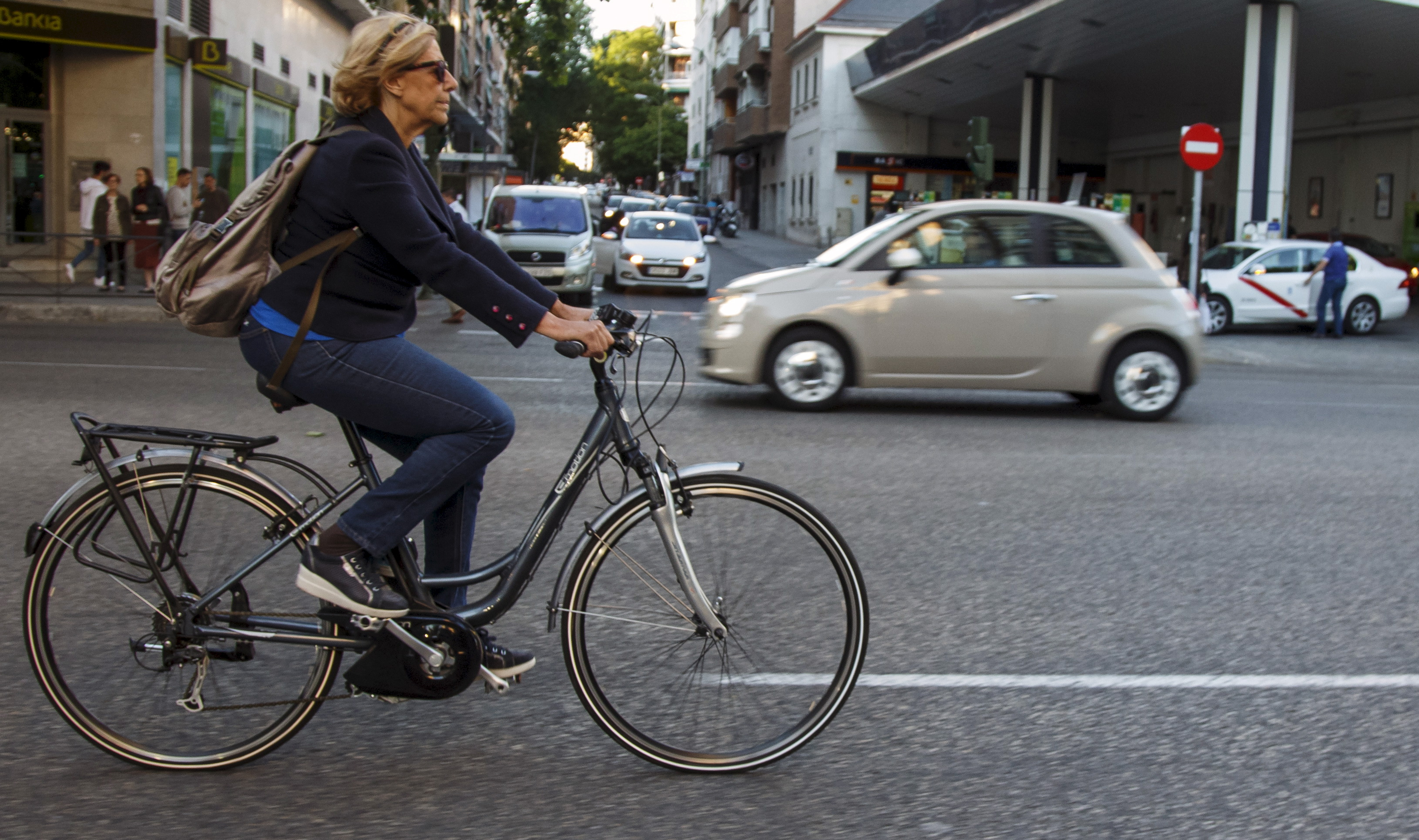 Carmena in her bycicle