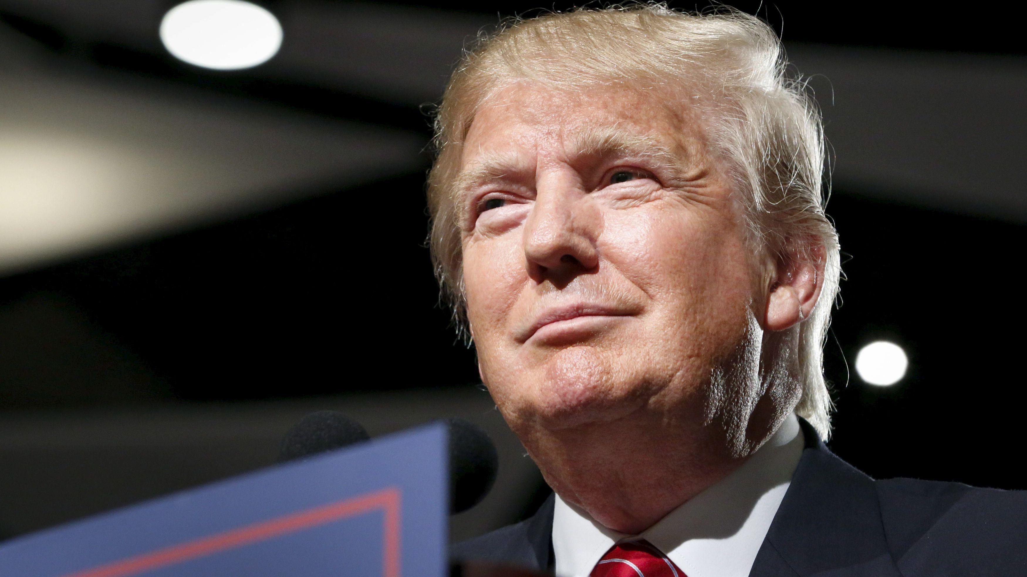 U.S. Republican presidential candidate Donald Trump holds a campaign event in Phoenix, Arizona July 11, 2015.