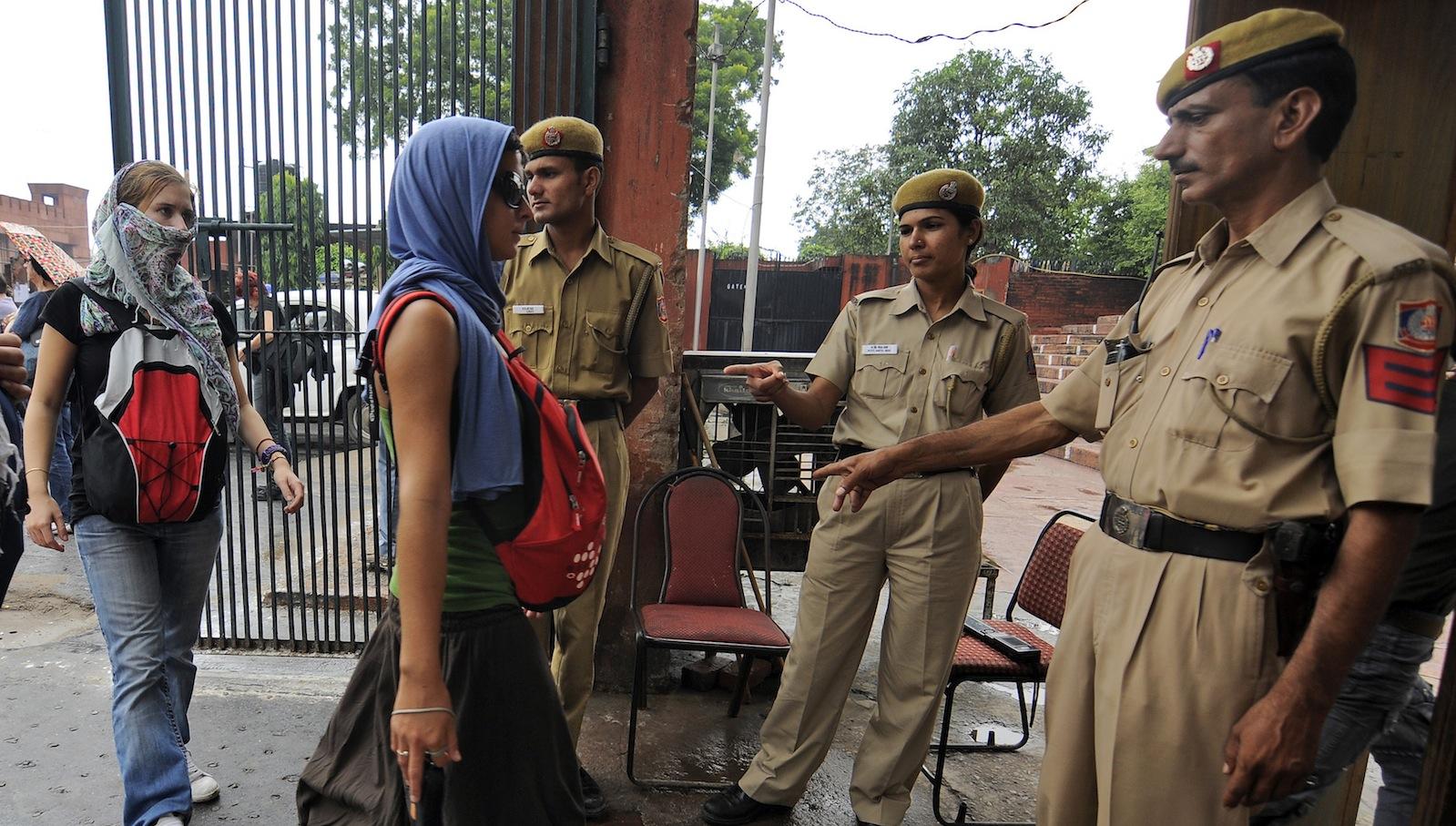 India-tourist-security