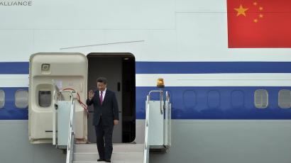 Chinese president Xi Jinping arrives in Ufa, Russia.