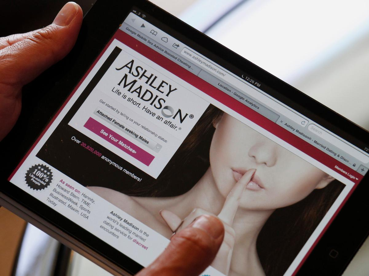 Workplace etiquette after Ashley Madison: 8 tips for dealing with
