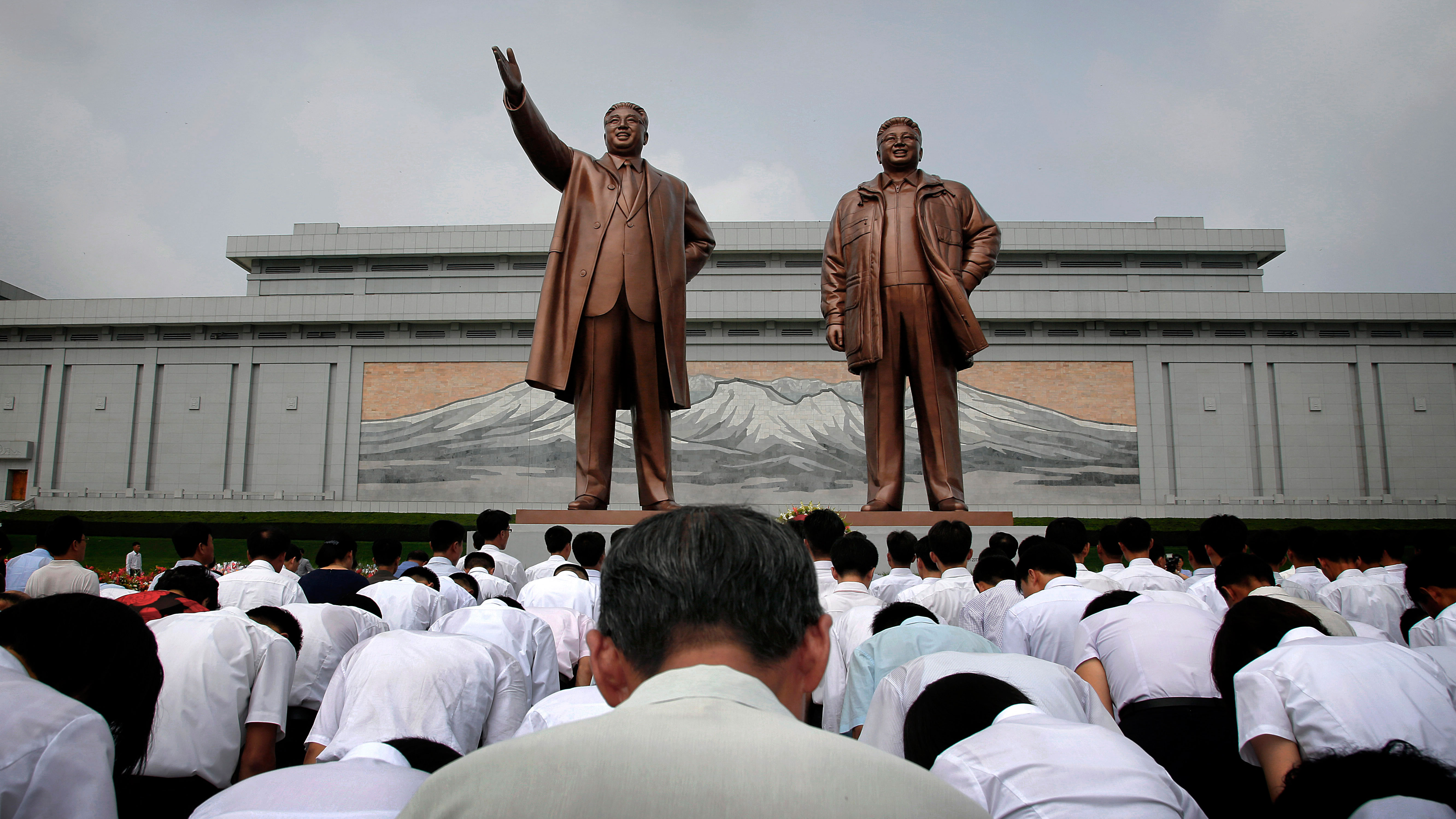 A Western student went to North Korea to study and he describes what it was like