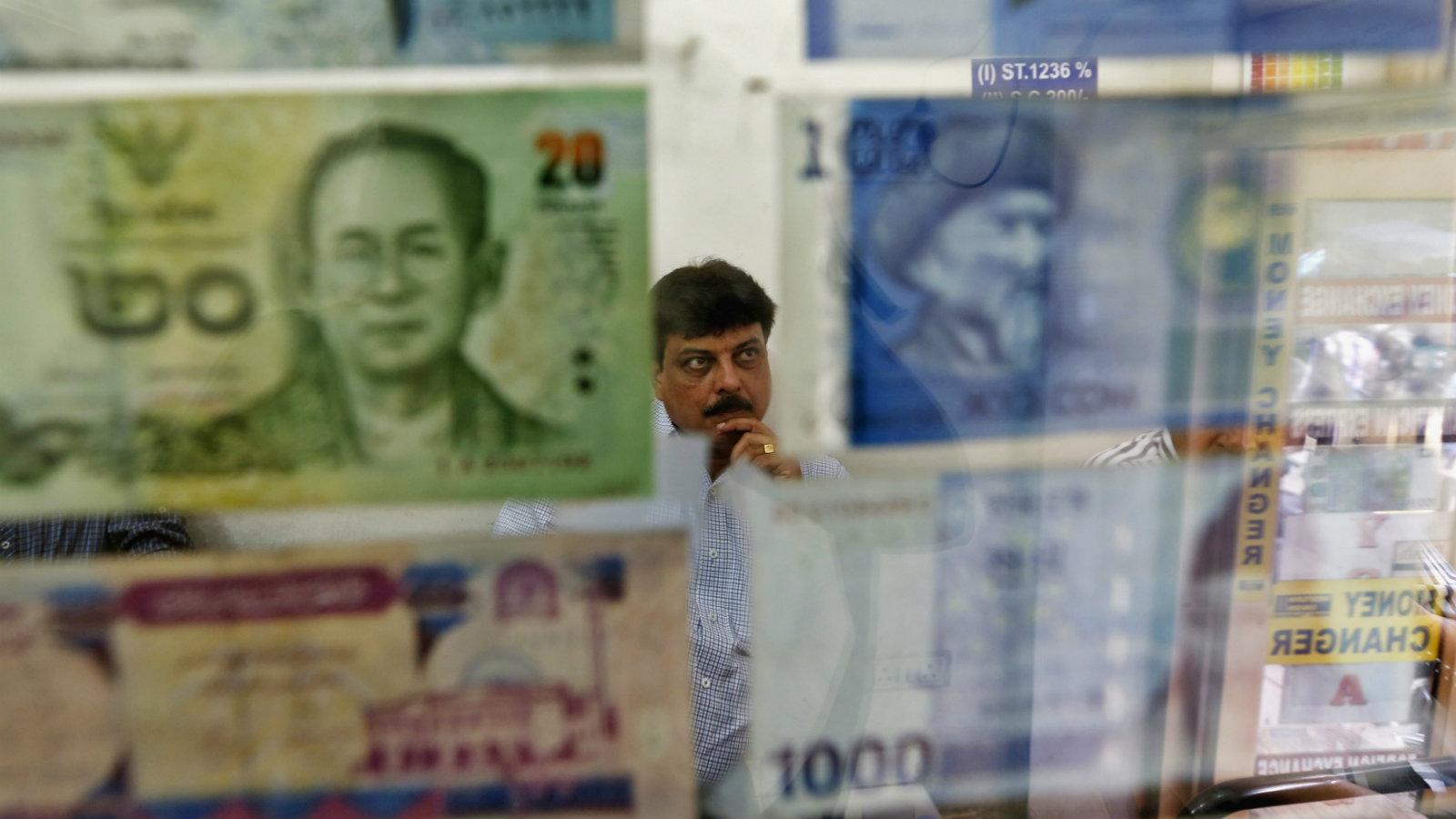 India-China-Currency-Markets-Crash