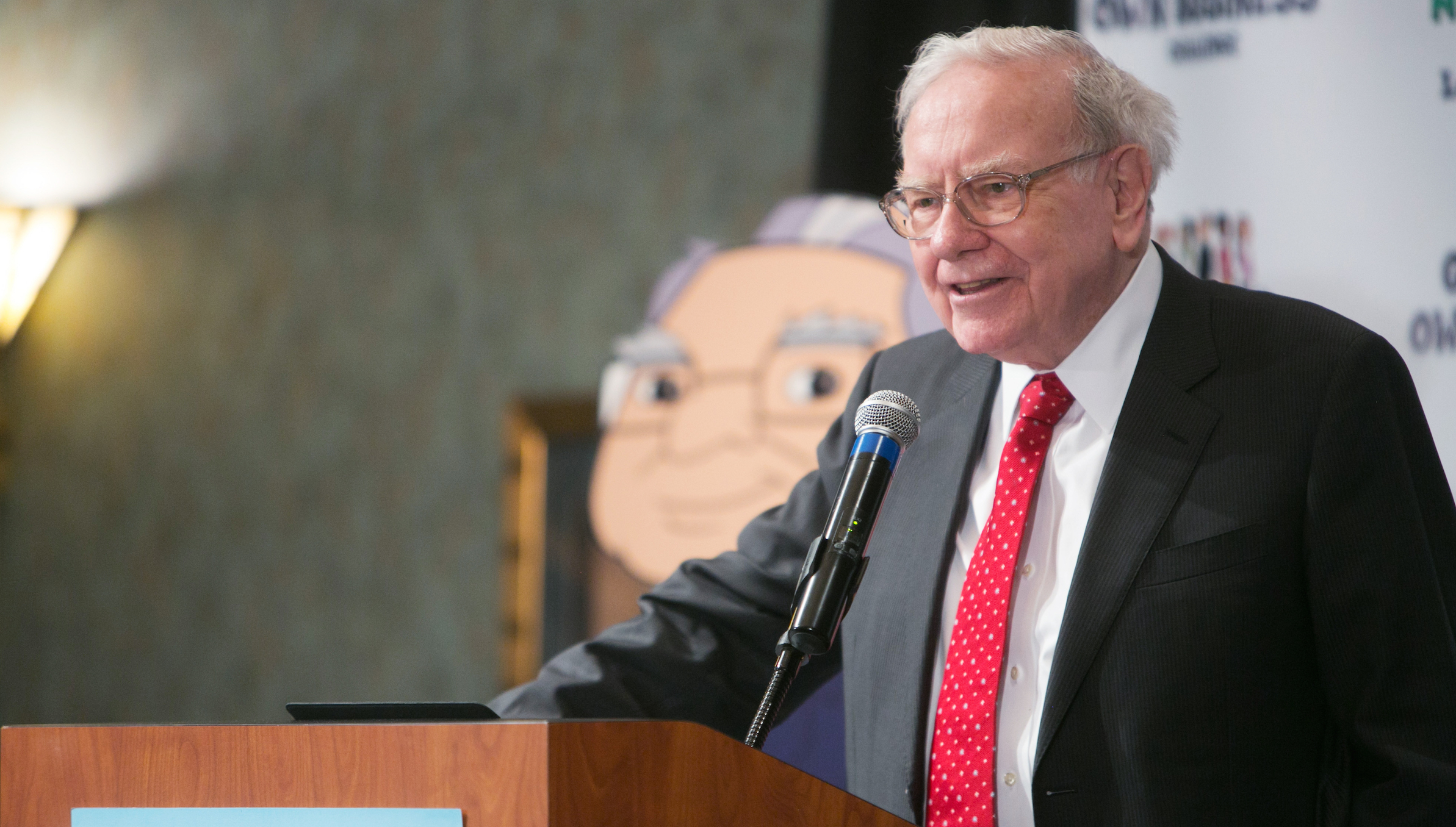 Warren Buffett speaks at his Secret Millionaires Club 'Grow Your Own Business Challenge' in Omaha, Nebraska, United States, May 18, 2015. The contest, in its fourth year, attracted entries from more than 4,000 boys and girls ages 7 to 14. The top entrants flew to Omaha, Nebraska to be judged and show Buffett their ideas.   REUTERS/Lane Hickenbottom - RTX1DJKJ