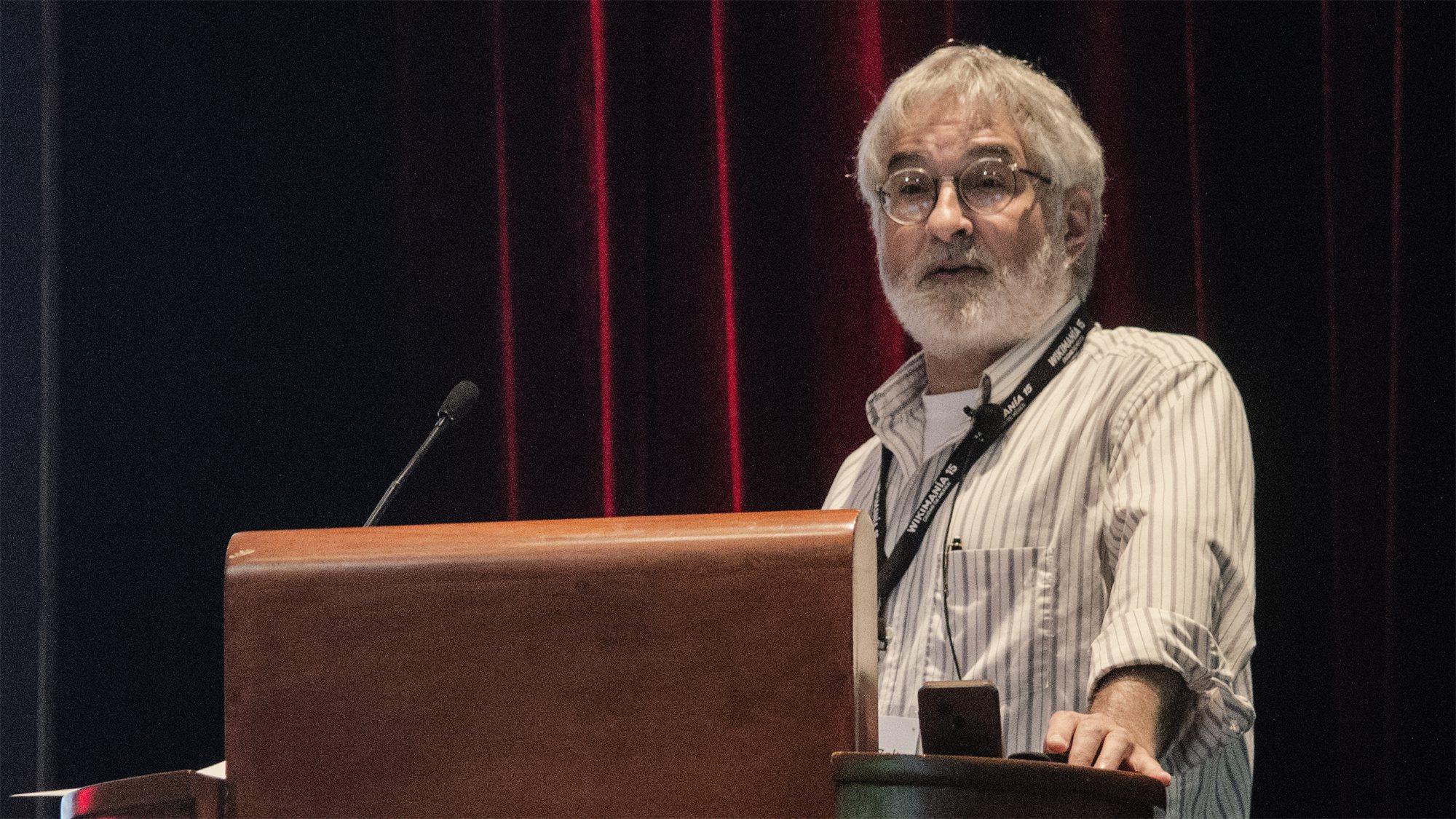 Edward Zalta presenting to the Wikimania conference.