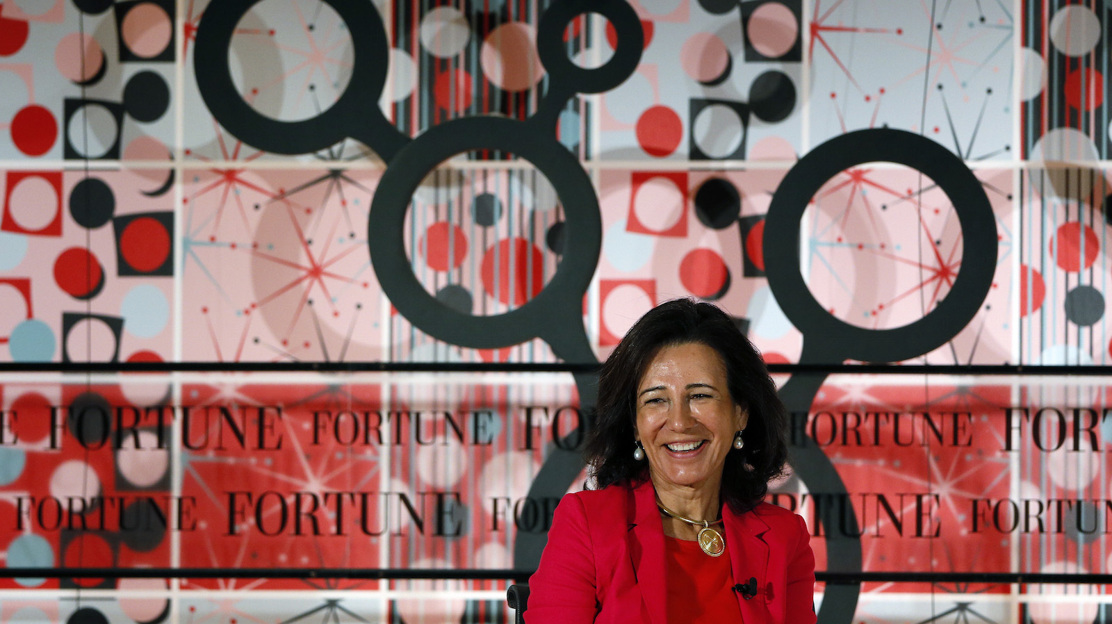 Ana Botin, the chair of Spain's largest bank Banco Santander attends the Most Powerful Women summit in London, Britain June 16, 2015.  REUTERS/Stefan Wermuth