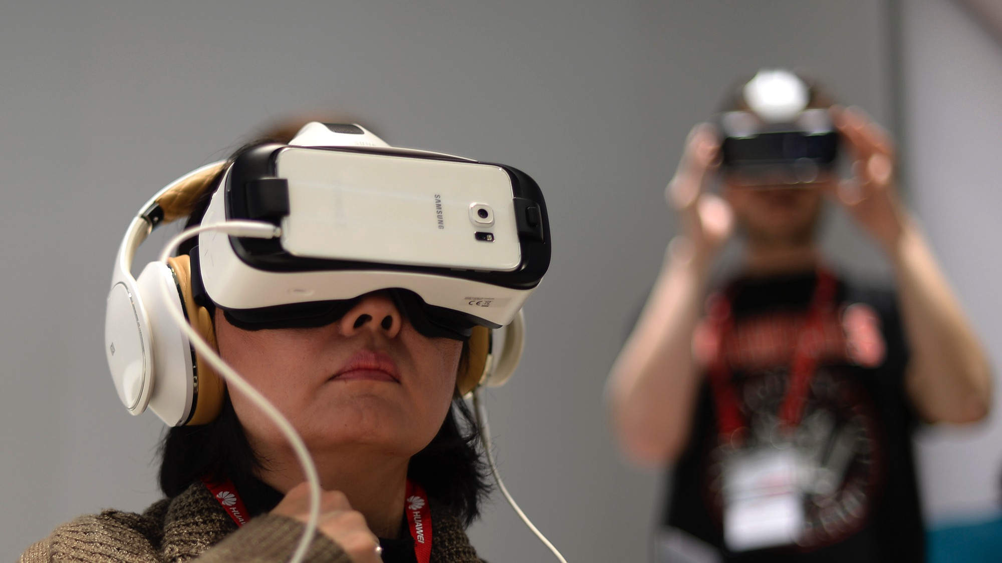 You can now watch Netflix in ~virtual reality~ — Quartz
