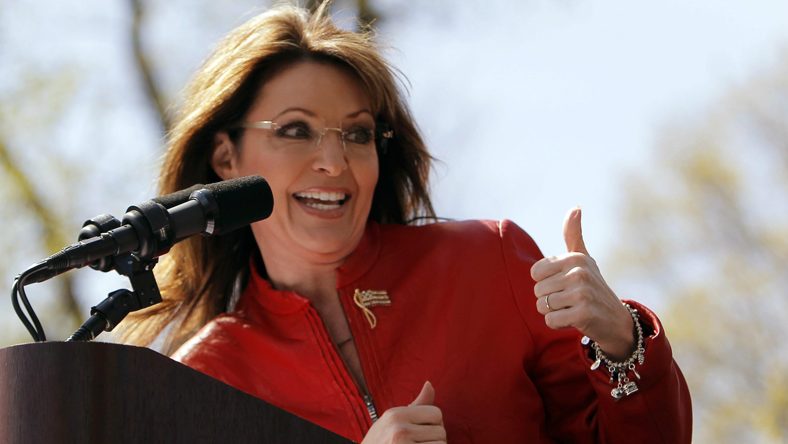 "Sarah Palin says that people living in the US should speak ""American"""