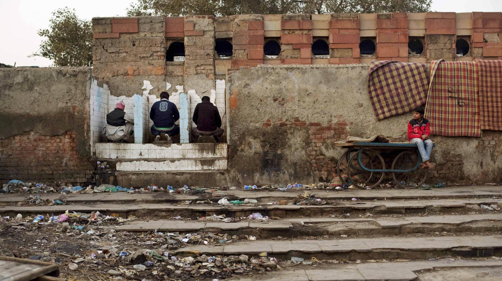 India-toilets-Modi-clean
