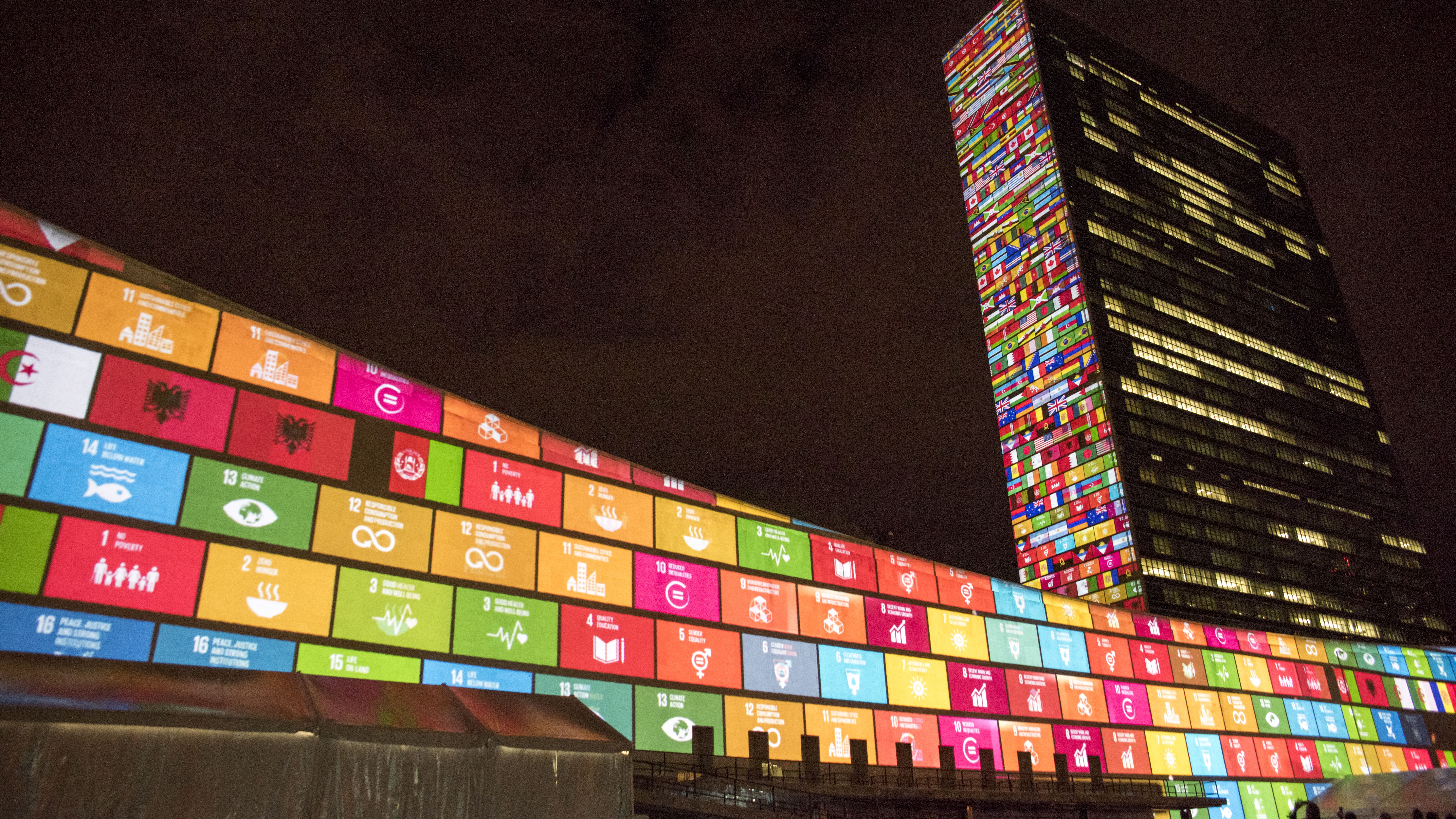 Ahead of the United Nations Sustainable Development Summit from 25-27 September, and to mark the 70th anniversary of the United Nations, a 10-minute film introducing the Sustainable Development Goals is projected onto the UN Headquarters, north façade of the Secretariat building, and west façade of the General Assembly building. The projection brings to life each of the 17 Goals, to raise awareness about the 2030 Agenda for Sustainable Development.