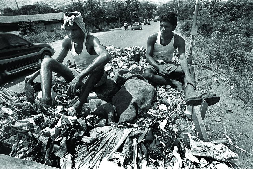Mumbai-garbage-sweepers