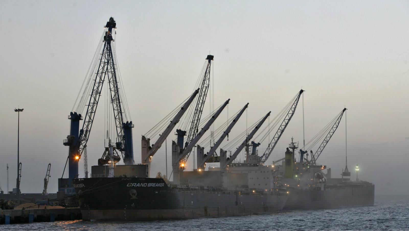 India-Adani-port-Mundhra