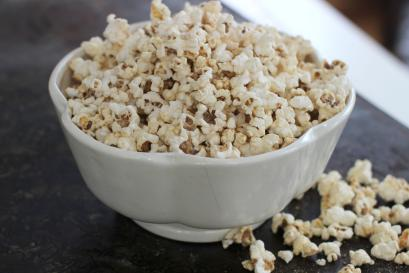 This Jan. 19, 2015 photo shows salty sweet peanut honey popcorn in Concord, N.H. The recipe is simple, with just enough sweetness from a hit of honey to balance the salty peanut flavor. Using coconut oil for the popping rounds out the flavor. (AP Photo/Matthew Mead)