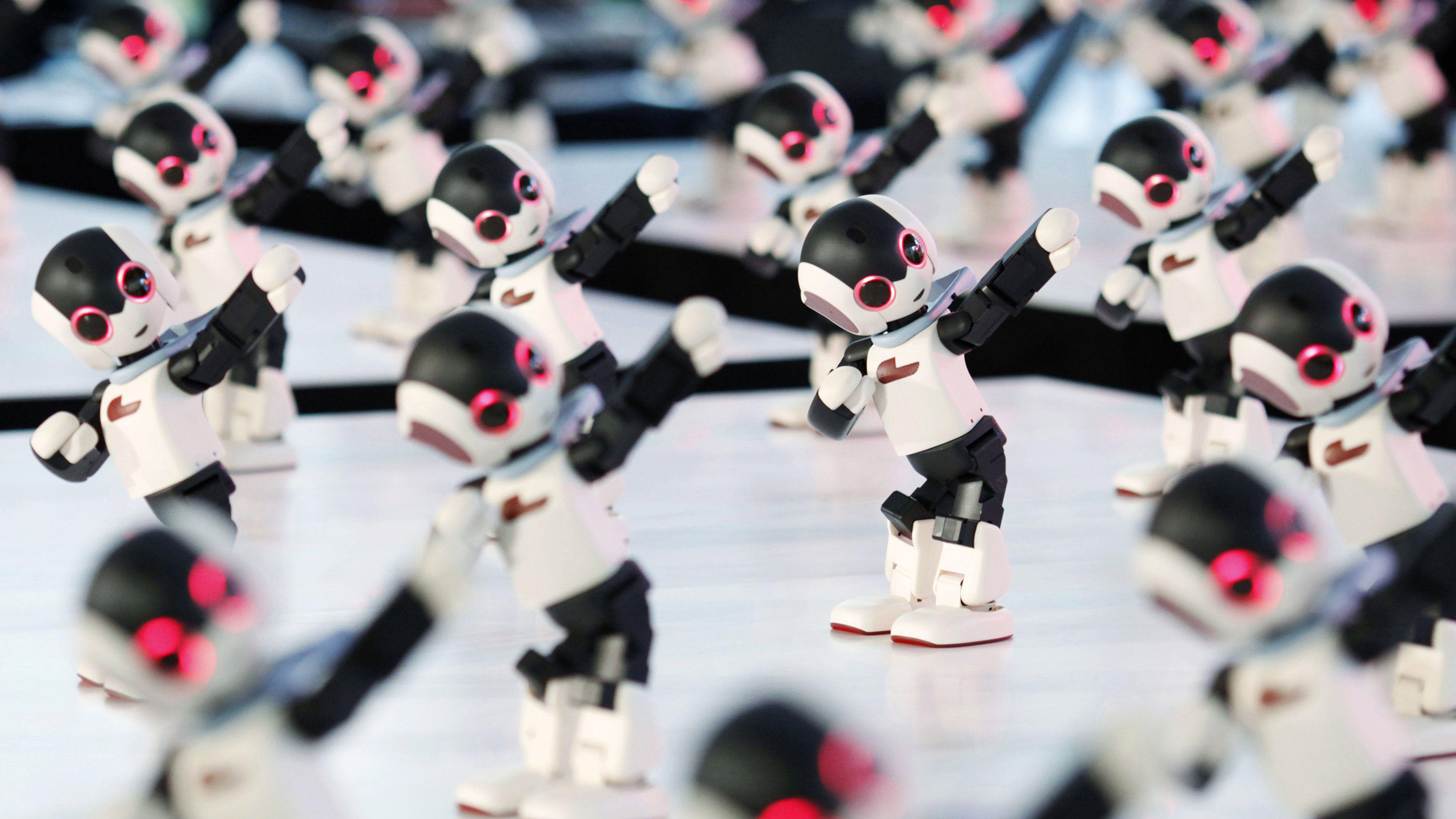 group-of-dancing-robots