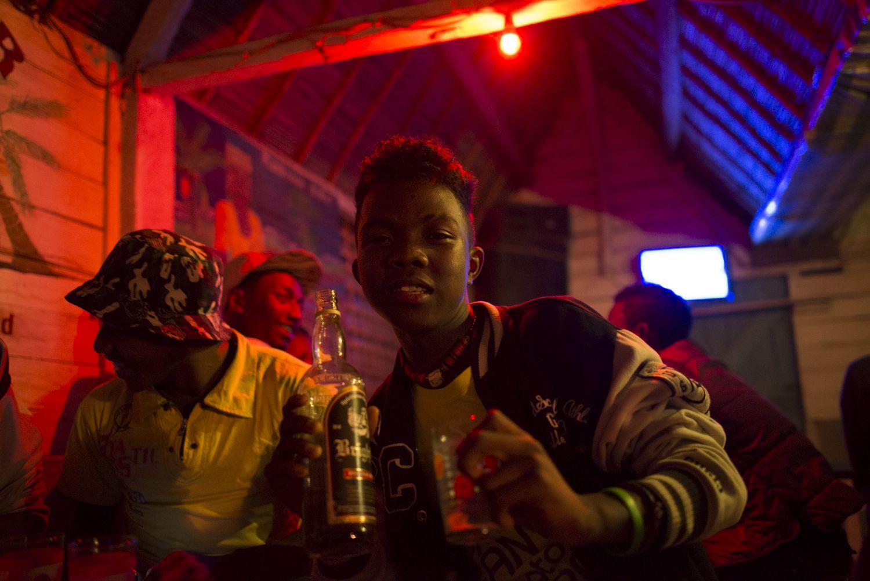 Teenagers drinking in Manakara