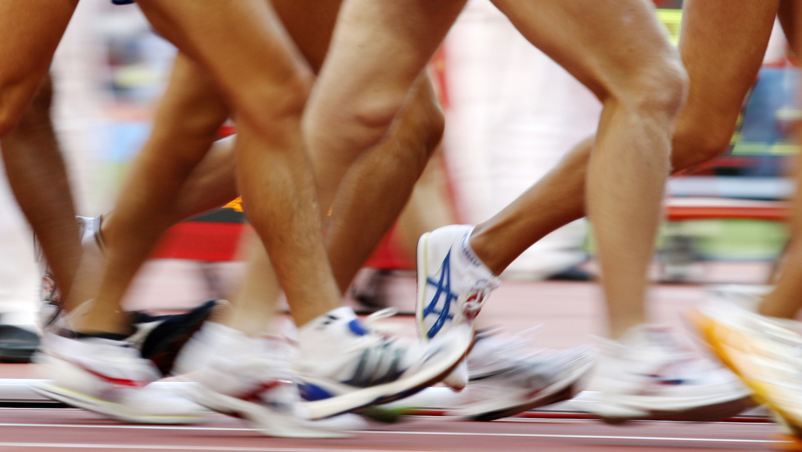 Competitors take part in the men's 20km walk in the athletics competition in the National Stadium at the Beijing 2008 Olympic Games August 16, 2008     REUTERS/Gary Hershorn (CHINA) - RTR216M0