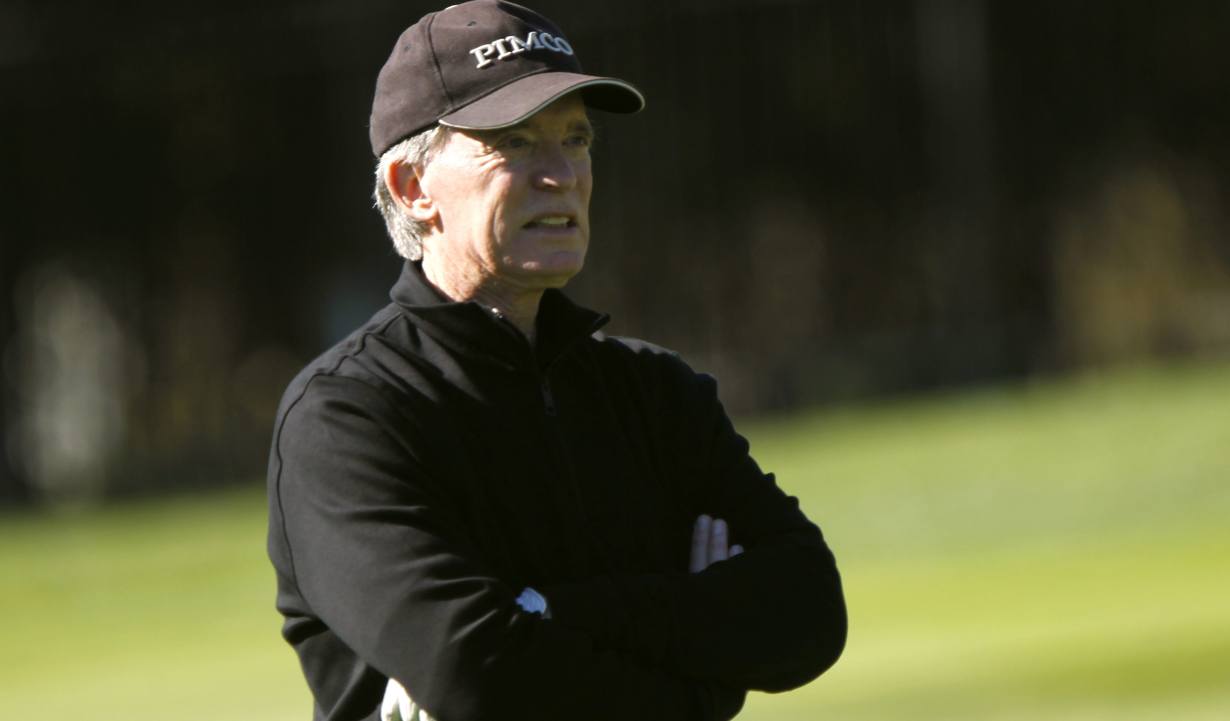 Pacific Investment Management (PIMCO) founder and co-chief investment officer Bill Gross plays golf on the first hole at Pebble Beach Golf Links before the start of the AT&T Pebble Beach Pro-Am in Pebble Beach, California, February 8, 2012. REUTERS/Robert Galbraith  (UNITED STATES - Tags: SPORT GOLF BUSINESS) - RTR2XIIS